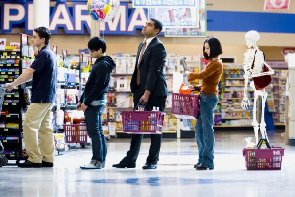 fila-larga-supermercado